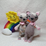 Annett from @haekelhummel combines her kittens with the LuckyTwins rainbow